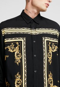 Only & Sons - ONSVP JOHN REGULAR FIT - Skjorter - black/golden - 4
