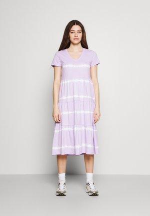NMBUSTER TIE DYE DRESS - Vestito di maglina - pastel lilac
