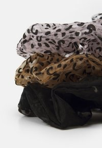 Pieces - PCMAISY OVERSIZED SCRUNCHIE 3 PACK - Hair styling accessory - black/rose/beige - 1