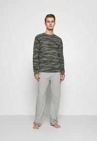 Michael Kors - PEACHED PANT - Pyžamový spodní díl - heather grey - 1