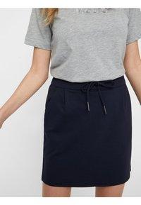 Vero Moda - VMEVA SHORT SKIRT NOOS - A-line skirt - dark blue - 3