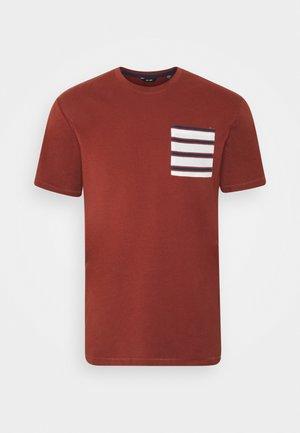 ONSMELTIN LIFE POCKET TEE - Print T-shirt - henna