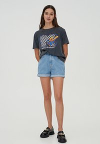 PULL&BEAR - T-shirt med print - mottled dark grey - 1