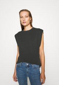 Trendyol - Print T-shirt - anthracite - 0