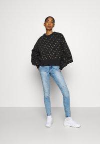 Nike Sportswear - CREW PACK - Sweatshirt - black - 1