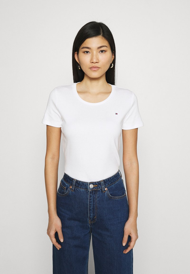 Tommy Hilfiger - SLIM ROUND NECK - T-shirts - white