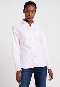 Tommy Hilfiger - HERITAGE REGULAR FIT - Button-down blouse - rose - 0
