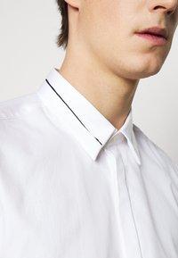 HUGO - KEEFE  - Formální košile - open white - 6
