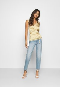 Never Fully Dressed - WRAP TOP - Bluser - gold - 1