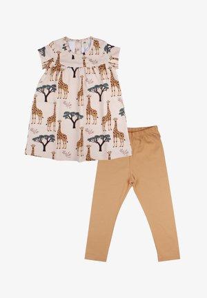 Day dress - giraffes