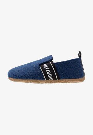 T-MODELL UNISEX - Domácí obuv - saphir