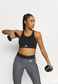adidas Performance - Sujetadores deportivos con sujeción ligera - black/white - 3