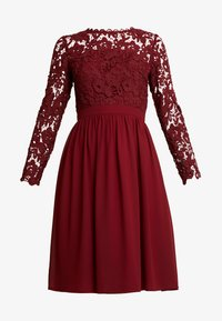 Chi Chi London - LYANA DRESS - Sukienka koktajlowa - burgundy - 5