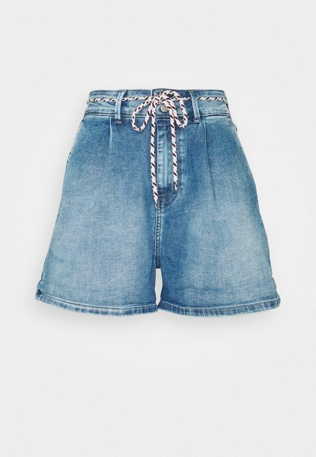 MAMBA SHORT BLUE - Jeansshorts - denim
