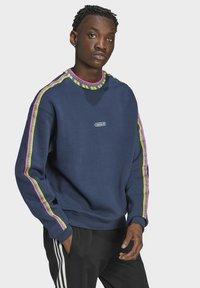 adidas Originals - Sweatshirt - blue - 2