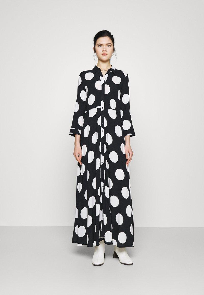 YAS - YASSAVANNA DOT LONG SHIRT DRESS - Maxi dress - black/white