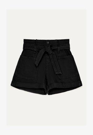 MIT GÜRTEL - Jeans Shorts - black