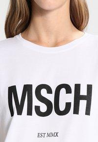 Moss Copenhagen - ALVA TEE - Print T-shirt - white/black - 3