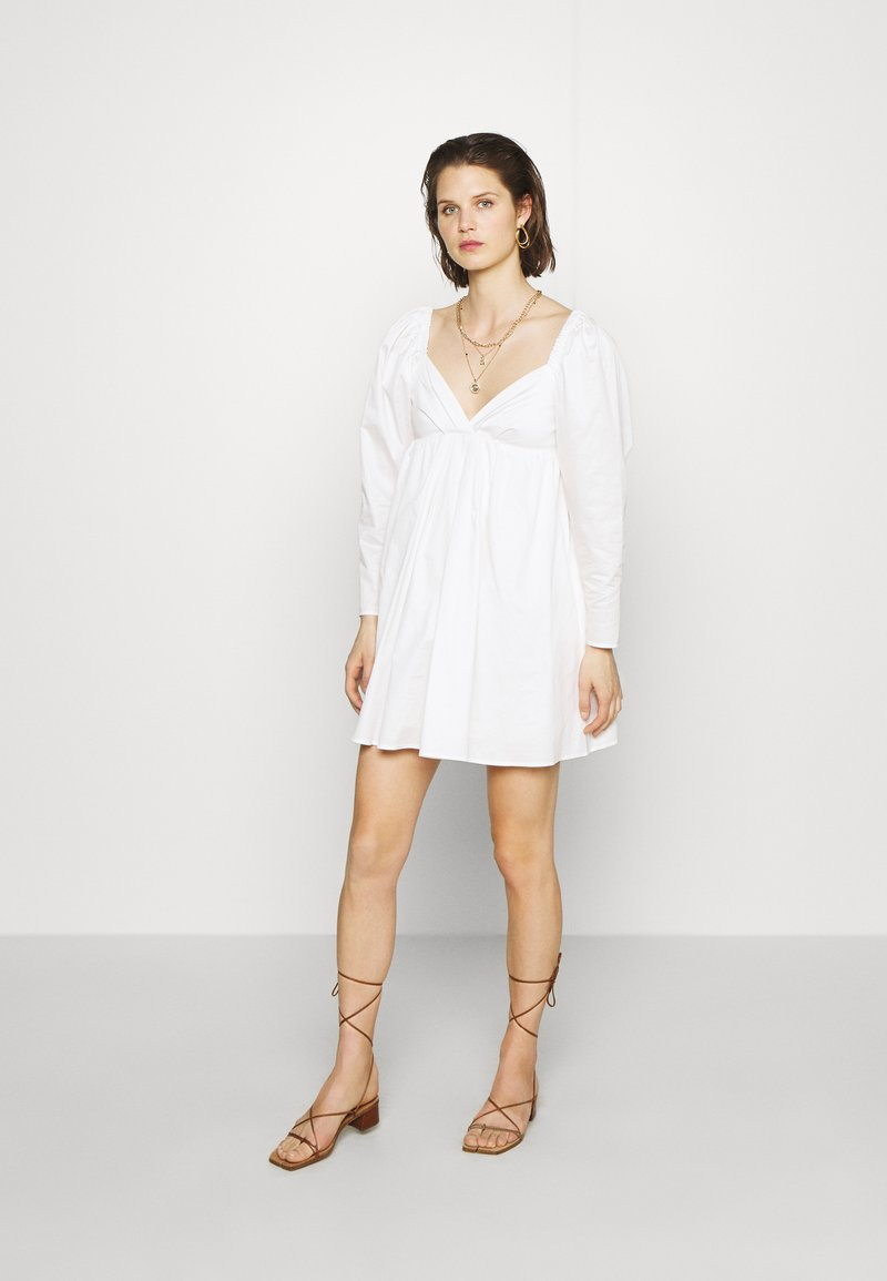Who What Wear - THE DRAMATIC SLEEVE MINI DRESS - Day dress - white