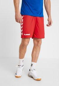 Hummel - CORE SHORTS - Sportovní kraťasy - true red pro - 0
