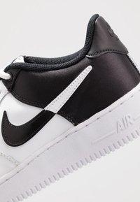 Nike Sportswear - AIR FORCE 1  - Sneakers - white/black - 2