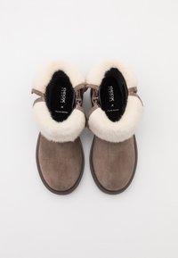 Geox - ECLAIR GIRL - Kotníkové boty - smoke grey - 3