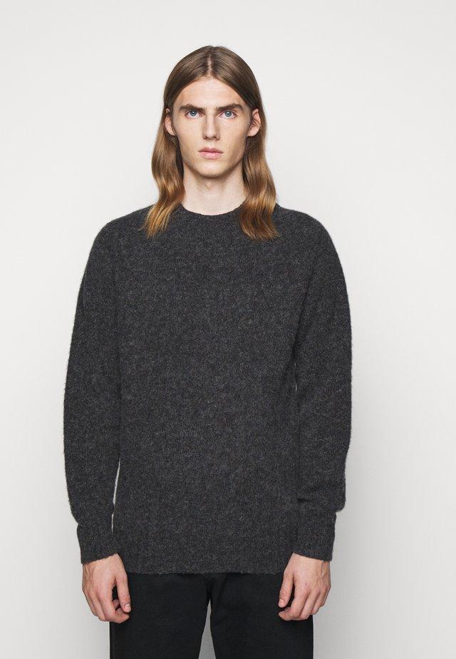 CREW - Stickad tröja - charcoal