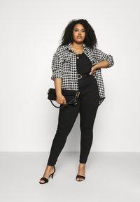 Dorothy Perkins Curve - PREMIUM EDEN - Slim fit jeans - black - 1