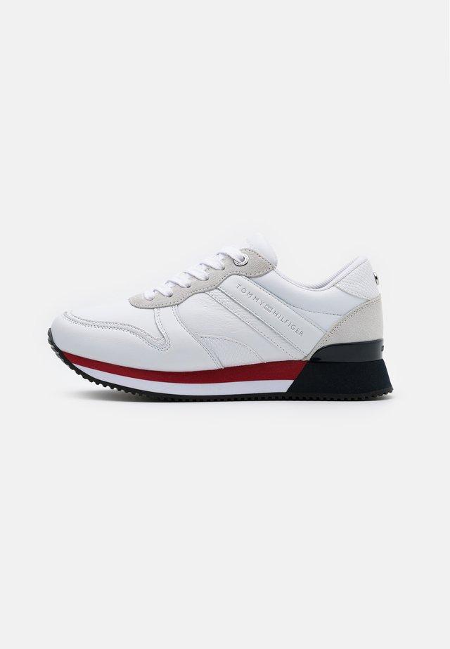 ACTIVE - Zapatillas - white