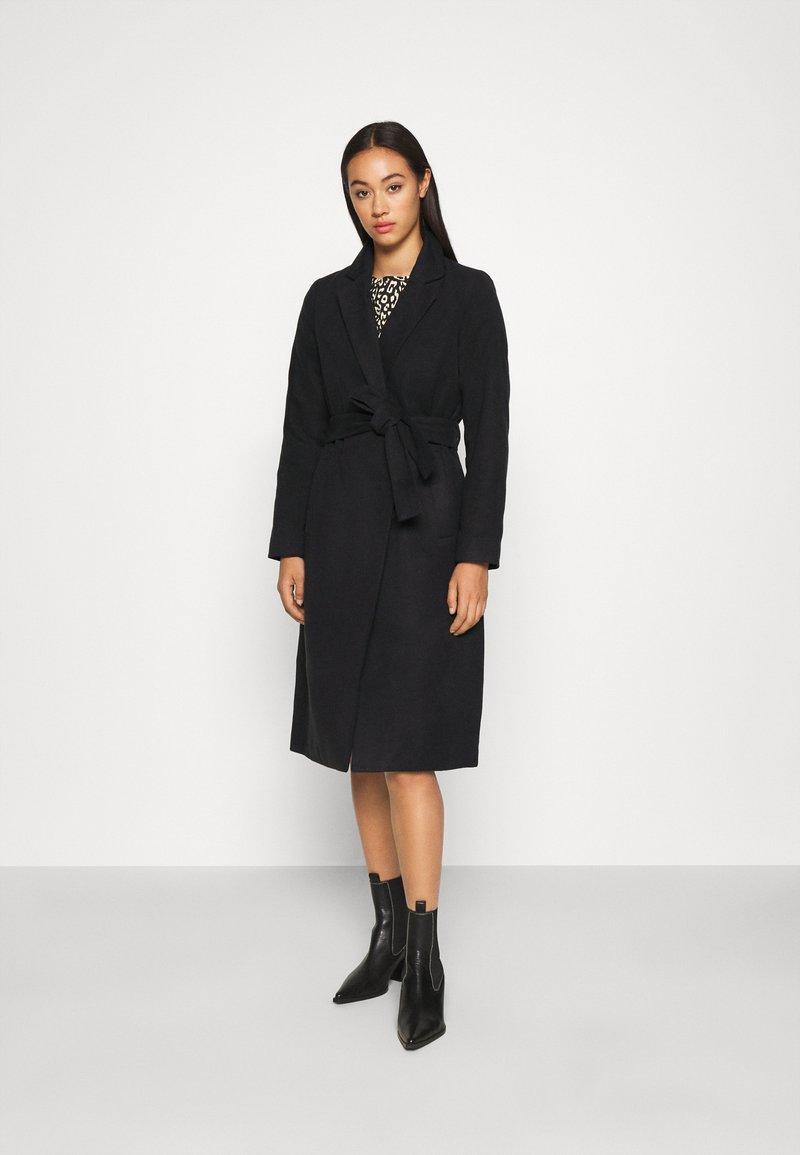 Vila - VIPOKU COAT - Classic coat - black