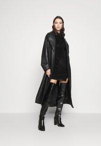 Glamorous - LONG SLEEVE DRESS - Shift dress - black - 0