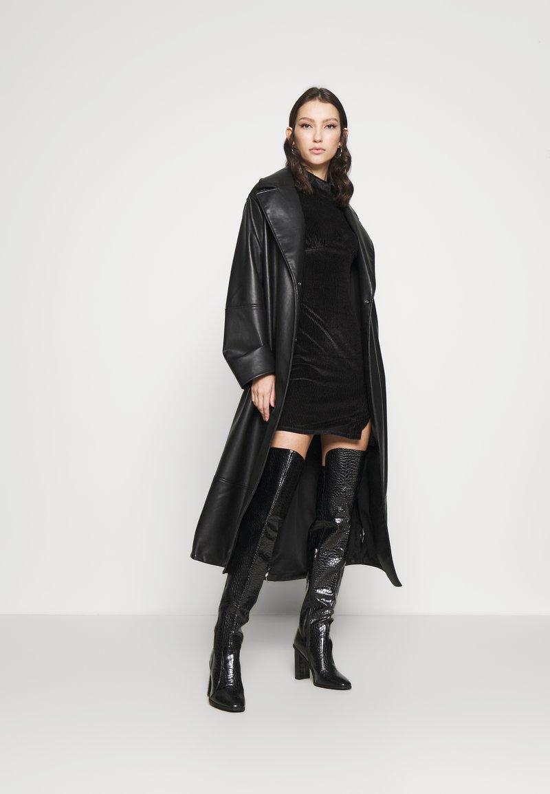 Glamorous - LONG SLEEVE DRESS - Shift dress - black