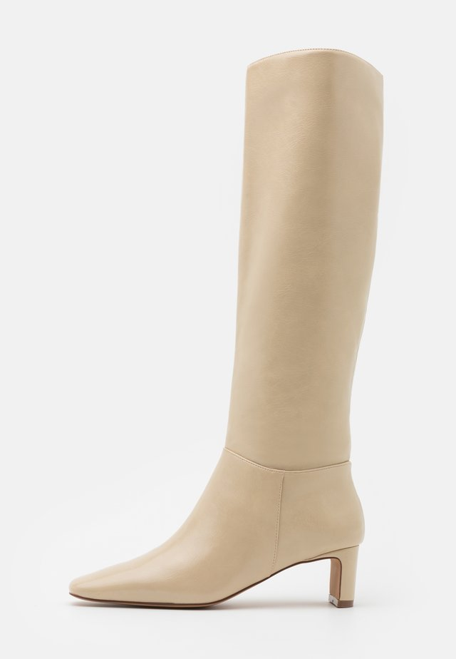 SQUARED LONG TOE SHAFT BOOTS - Boots - glossy creme
