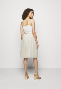 Needle & Thread - KISSES MIDI SKIRT EXCLUSIVE - A-Linien-Rock - champagne - 2