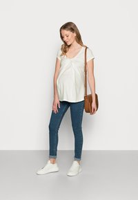 LOVE2WAIT - NURSING - T-shirt z nadrukiem - off white - 1