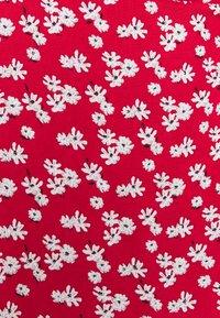 Glamorous - LONG SLEEVE WRAP DRESS WITH V NECK - Maxikjole - red / white - 2
