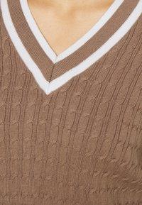 Hollister Co. - CROP EASY TIPPED V NECK - Jumper - light brown - 5