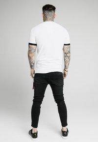 SIKSILK - INSET CUFF GYM TEE - Print T-shirt - white - 2