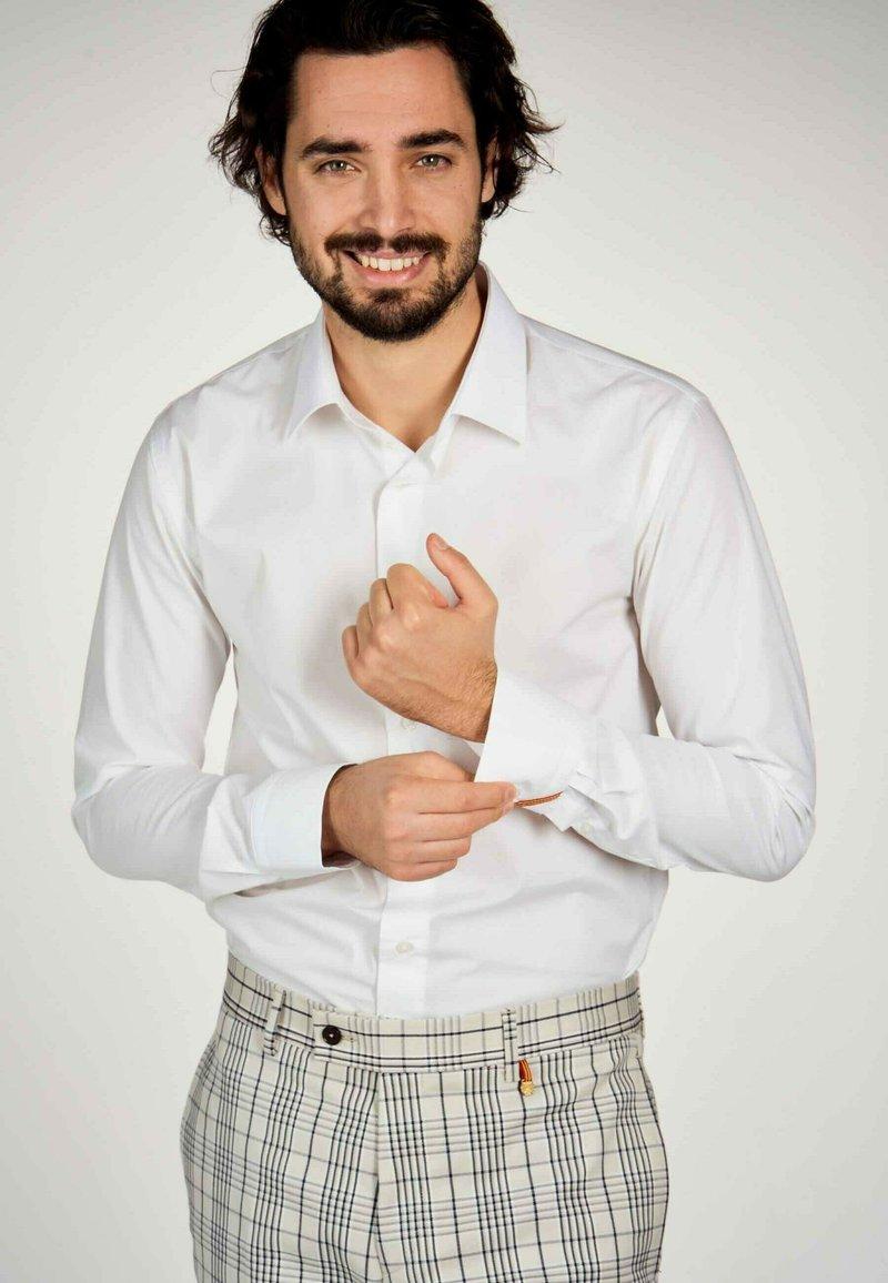 MDB IMPECCABLE - Shirt - white