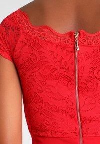 WAL G. - DETAIL - Overal - red - 5