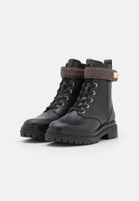 MICHAEL Michael Kors - STARK BOOTIE - Lace-up ankle boots - black/brown - 2