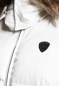 Schott - Winter jacket - white - 4