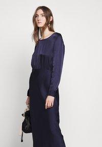 Bruuns Bazaar - SOPHIE AURORA DRESS - Juhlamekko - night sky - 3