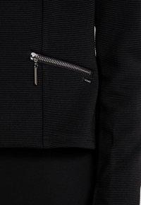 TOM TAILOR DENIM - COLLARLESS FITTED  - Blazer - deep black - 4