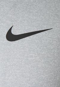 Nike Performance - DRY  - T-shirt basic - particle grey/grey fog/heather/black - 6