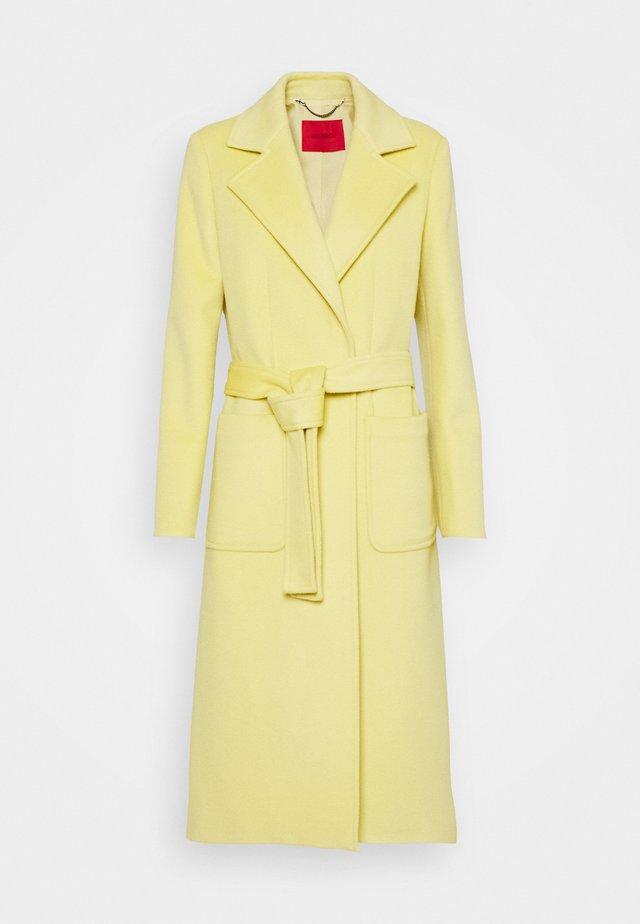 RUNAWAY - Classic coat - pale yellow