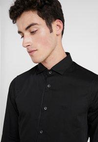 Emporio Armani - CAMICIA SLIM FIT - Camisa elegante - nero - 3