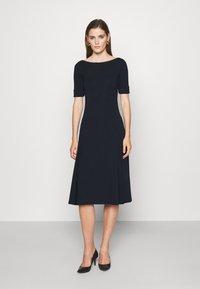 Lauren Ralph Lauren - MUNZIE ELBOW SLEEVE CASUAL DRESS - Jersey dress - navy - 0