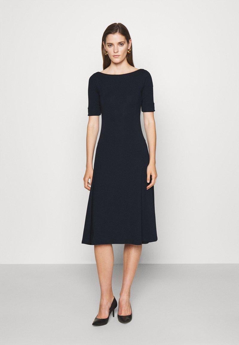Lauren Ralph Lauren - MUNZIE ELBOW SLEEVE CASUAL DRESS - Jersey dress - navy