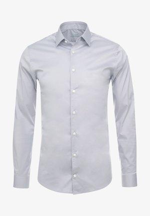 FILBRODIE - Kostymskjorta - light cloud